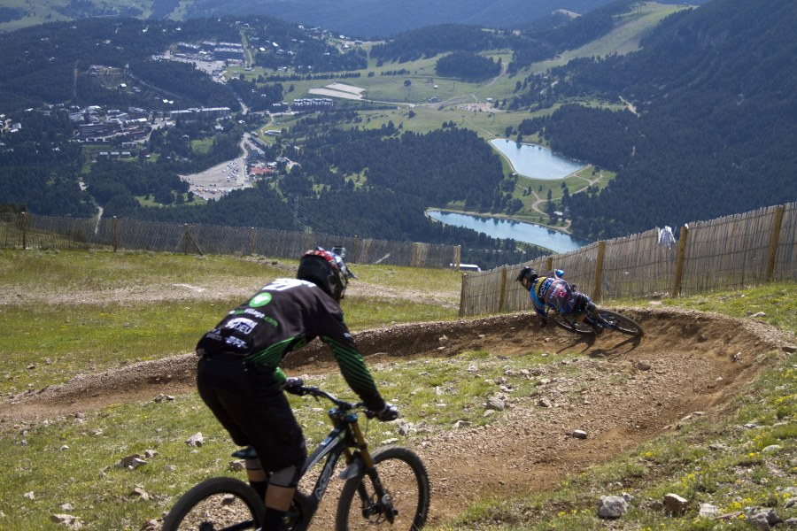 Season Bike Park Pass + Bike